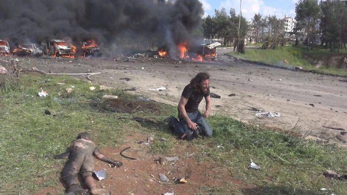 Nhiếp ảnh gia người Sy-ri và tấm lòng nhân ái