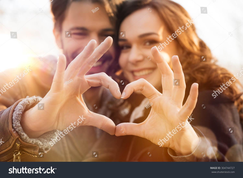 Hình ảnh hai người yêu nhau chất lượng cao trên Shutterstock